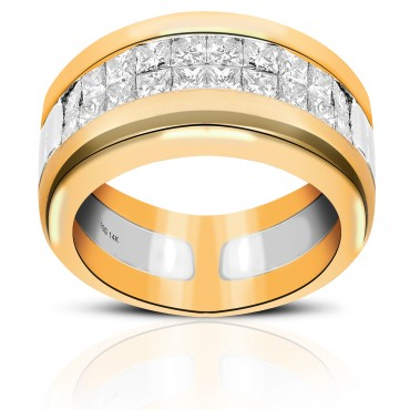 Luxurious Cocktail Ring with Invincible Princess -cut Diamonds 14 Karat Yellow Gold
