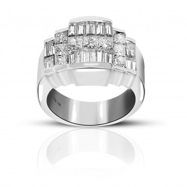 Exquisite Invisible Princess-cut and Baguette Style Cocktail Ring 14 Karat White Gold